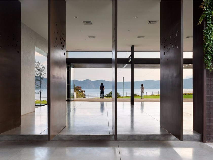 Ultra thin indoor/outdoor polymere concrete flooring with concrete effect ARCHITOP® by IDEAL WORK