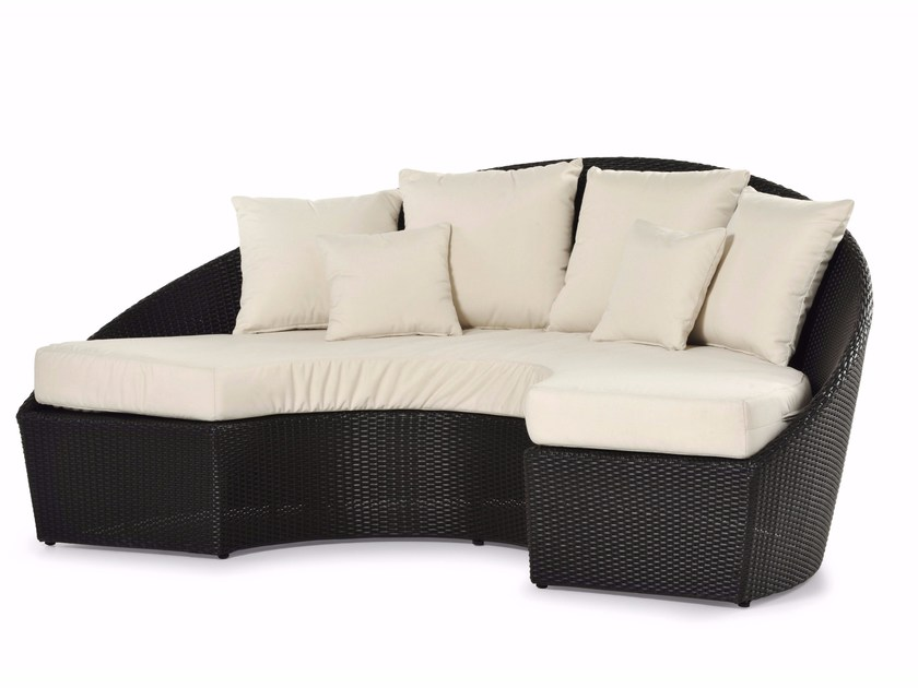 Semicircular sofa with synthetic fiber weaving ARENA | Sofa by Varaschin