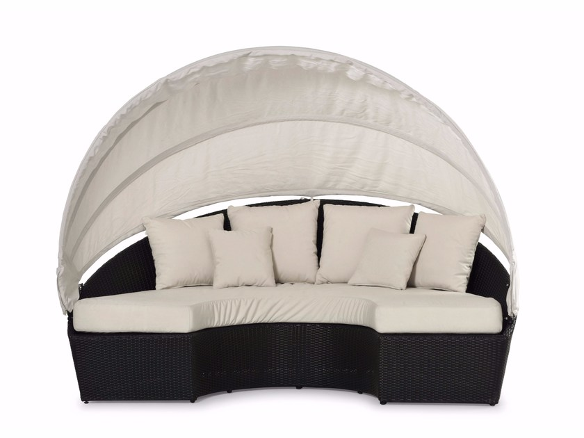 Semicircular sofa with sunshade ARENA | Garden sofa by Varaschin