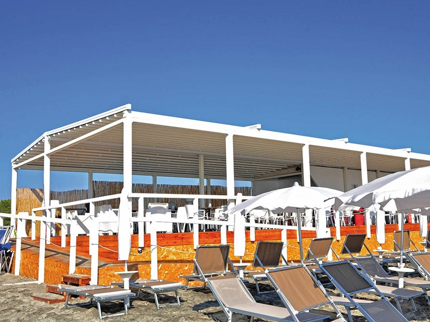 Freestanding aluminium and PVC pergola with sliding cover ARIZONA by Sprech