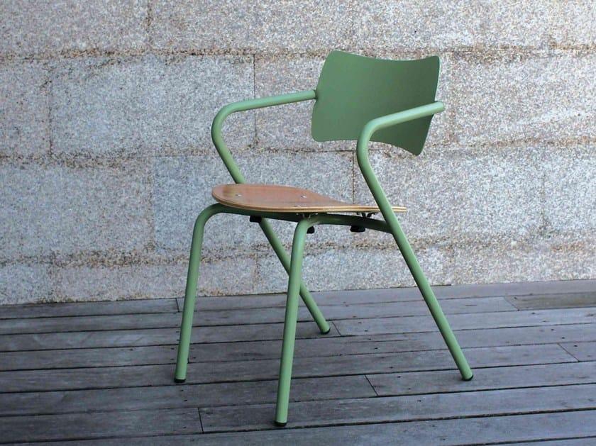 Sedie Da Giardino In Metallo.Sedia Da Giardino Impilabile In Metallo Con Braccioli Arpa By Adico