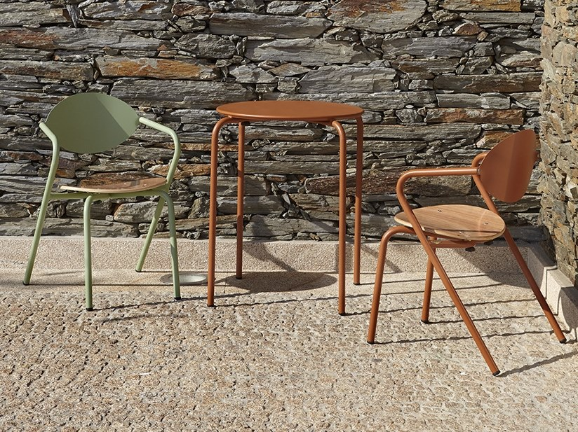 Stackable metal garden chair with armrests ARPA by Adico