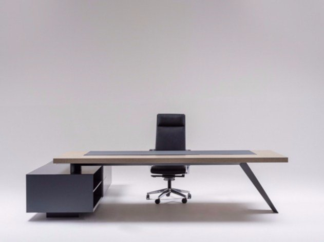 Executive desk with shelves ARROW by ersa