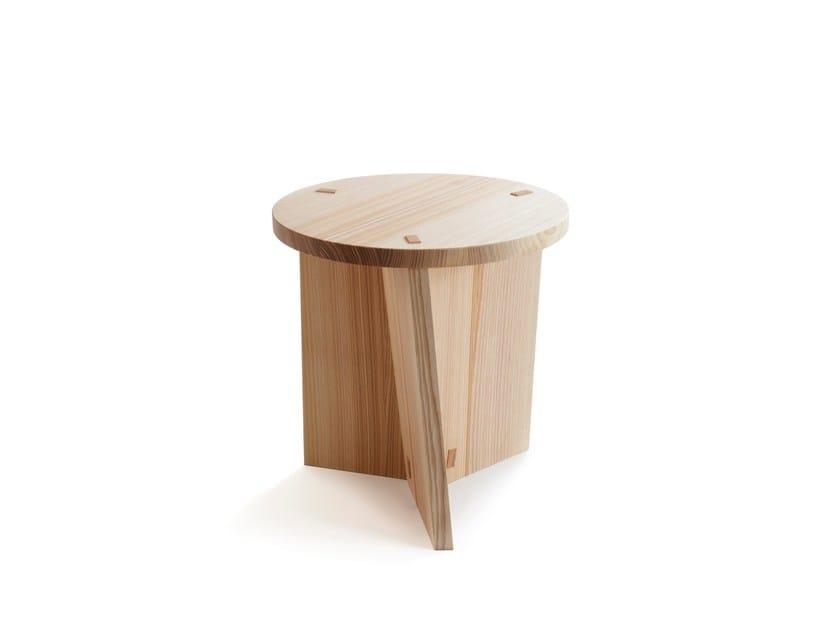 Contemporary style low ash stool ARTE MARFA by Nikari