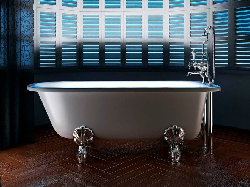 Freestanding oval bathtub on legs ASCOT by Polo