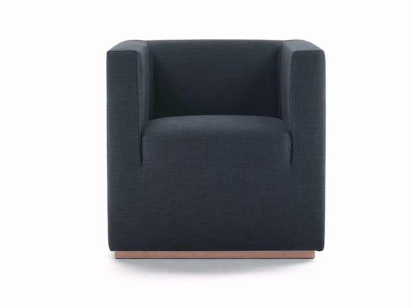 Club armchair with armrests ASCOT LOW | Armchair by Marelli