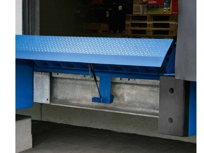 Loading dock ASSA ABLOY manual dock levellers by ASSA ABLOY