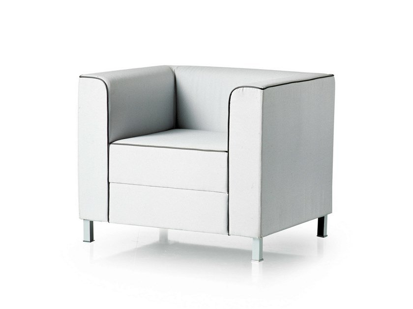 Upholstered armchair with armrests AT LOUNGE   Armchair with armrests by FANTONI