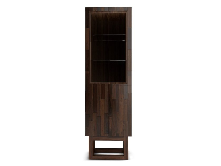 Wood and glass display cabinet AUGUSTUS by Wood Tailors Club