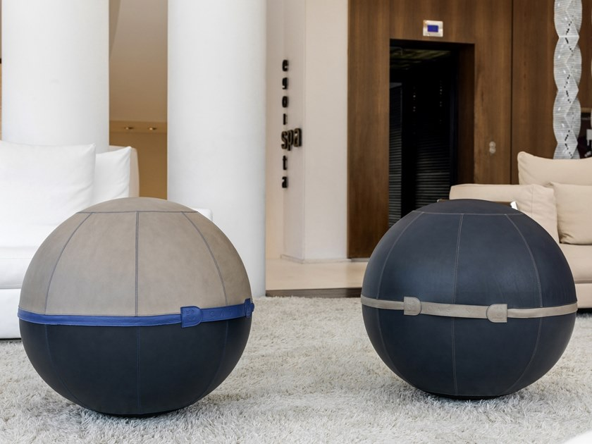 Sitting Ball in pelle AURA by Maurizio Casini