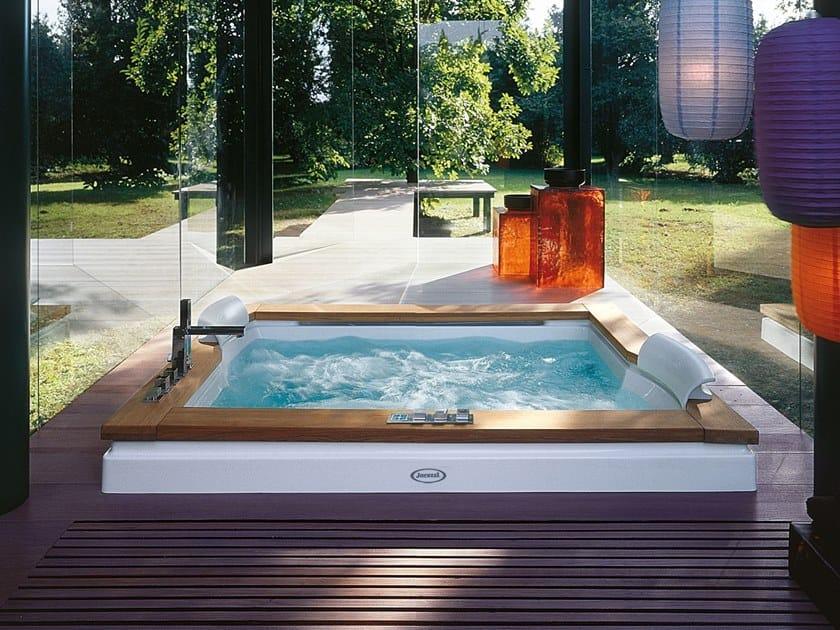 Bañera 2 plazas de hidromasaje encastrable AURA PLUS by Jacuzzi®