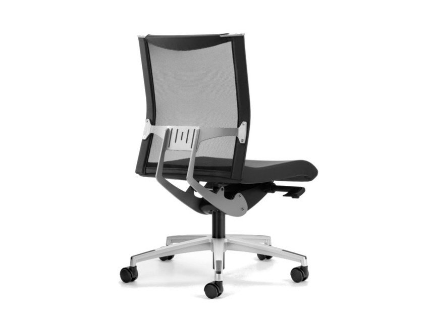 Mesh task chair with 5-Spoke base with casters AVIANET 3600 by TALIN