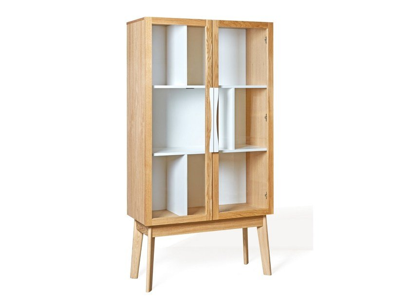 Wood and glass display cabinet AVON | Display cabinet by Woodman