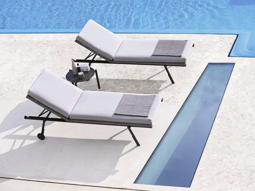 Recliner sun lounger with castors BAHIA | Sun lounger by Varaschin