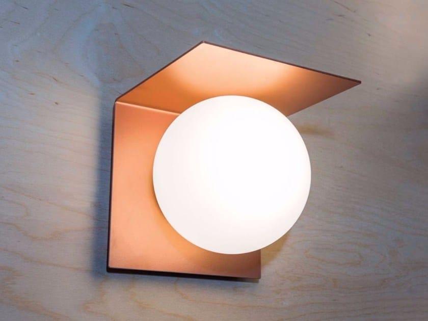 Applique in metallo e vetro soffiato BALANCE | Applique by Marchetti