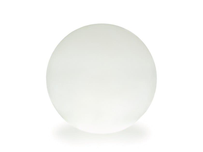 Lampada da terra per esterno in resina BALL by SOVIL