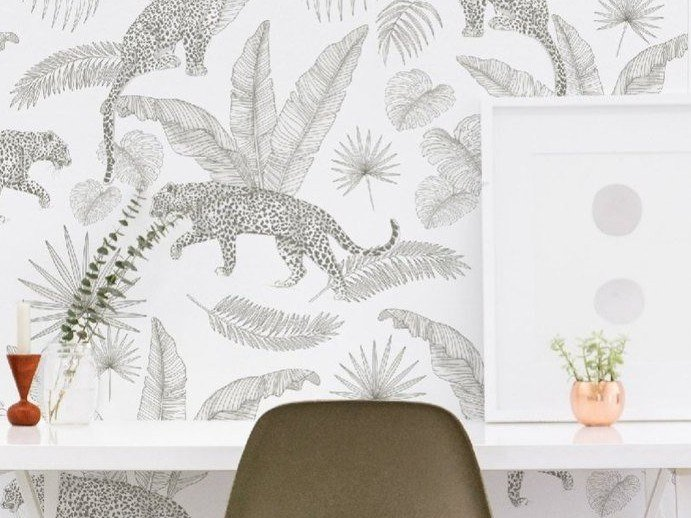 Non-woven paper wallpaper with floral pattern BAO by Isidore Leroy