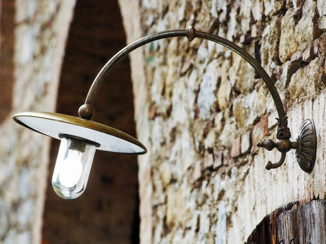 Brass wall lamp BARETTON | Wall lamp by Aldo Bernardi