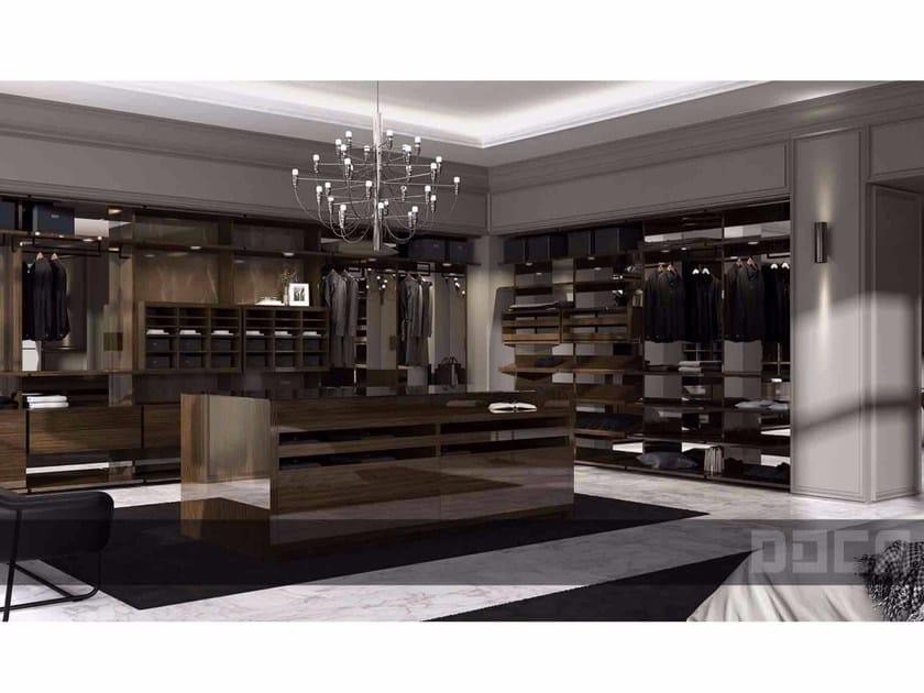 Wood veneer walk-in wardrobe BARNA TINT NOGAL BRILLO by Doca
