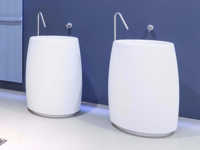Freestanding round Cristalplant® washbasin BARREL by Antonio Lupi Design