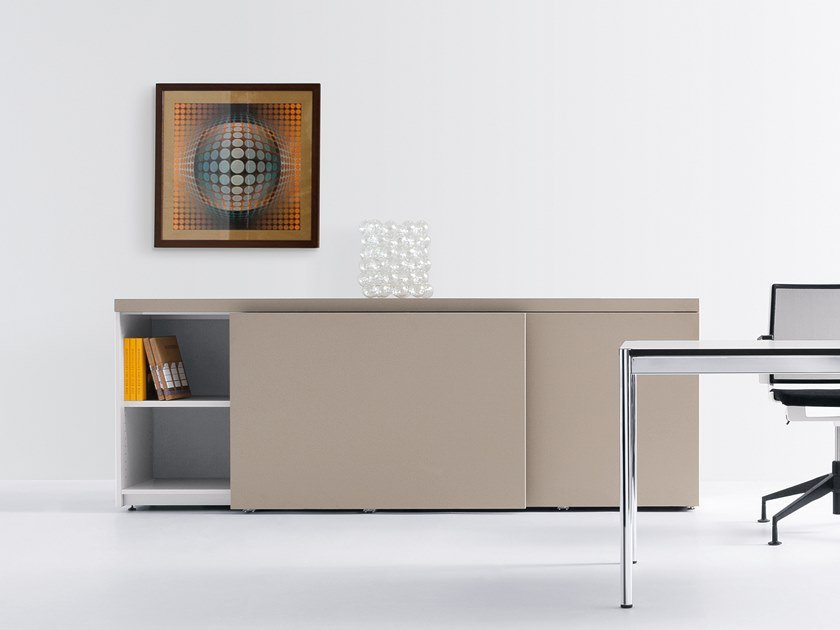 Lacquered office storage unit with sliding doors BASIC CAP | Office storage unit with sliding doors by werner works