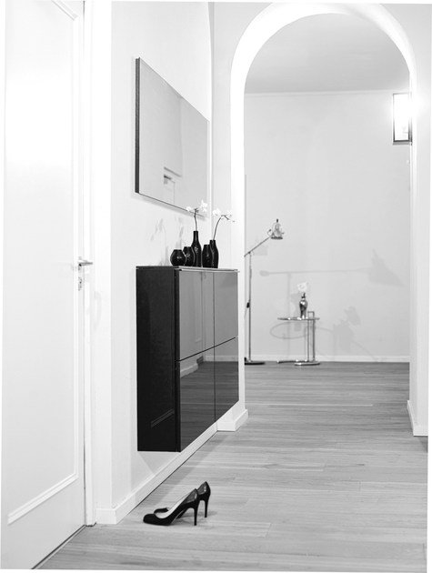 Wall mounted shoe cabinet basic by sch nbuch for Schuhschrank flap