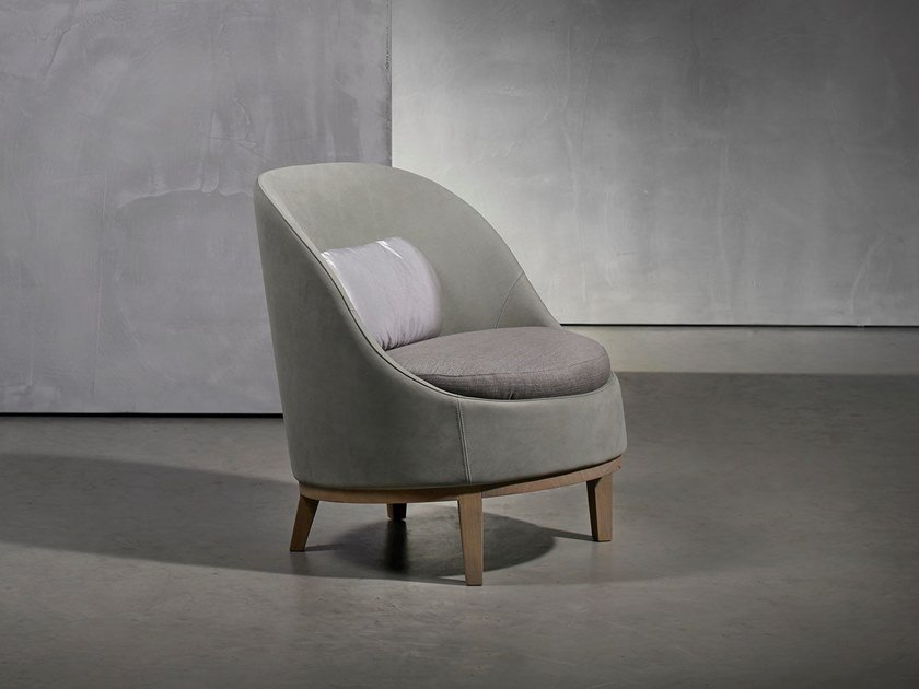 Leather armchair with fire retardant padding BELLE | Leather armchair by Piet Boon