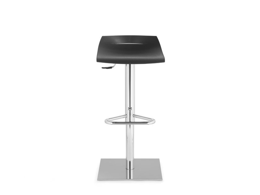 Height-adjustable barstool BEN 331 by Mara