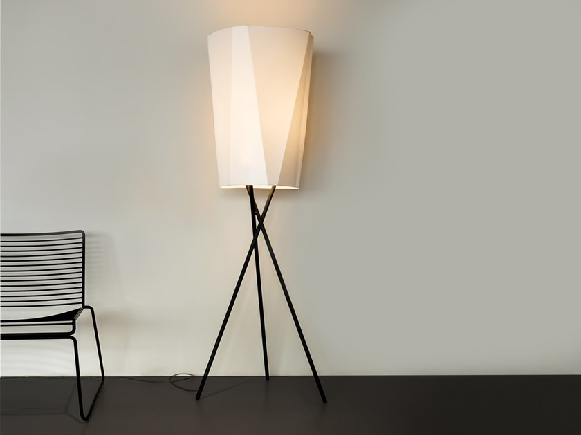 Floor lamp BENT MIKADO by filumen