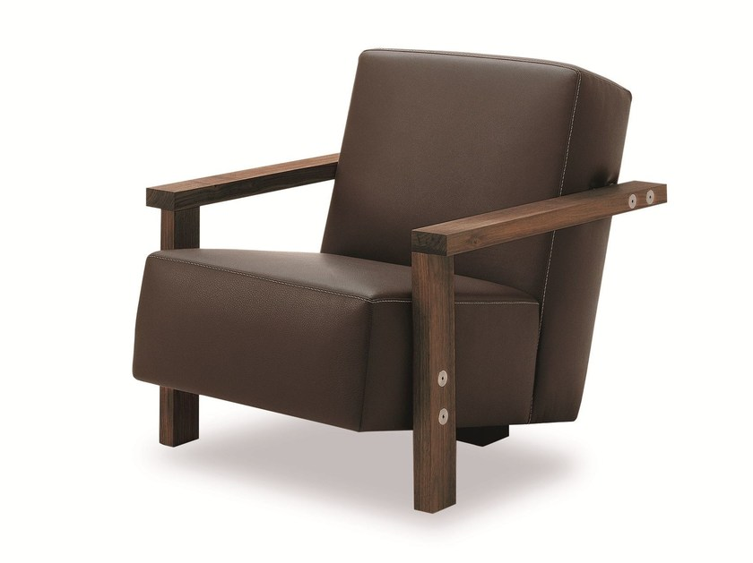 Upholstered armchair with armrests BERBENA   Armchair by Riva 1920