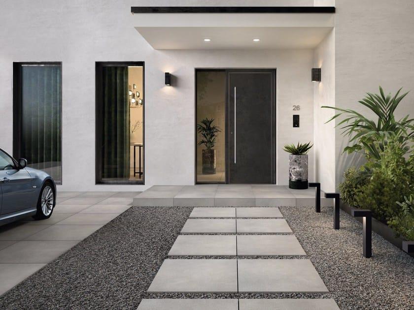 Bodenbelag für den außenbereich aus feinsteinzeug mit stein effekt