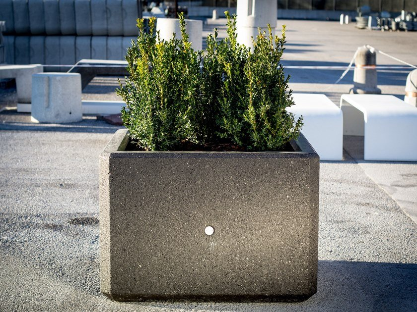 Natural stone Flower pot BERRY by Bellitalia