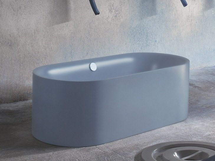 Freestanding oval bathtub BETTELUX OVAL SILHOUETTE By Bette design ...