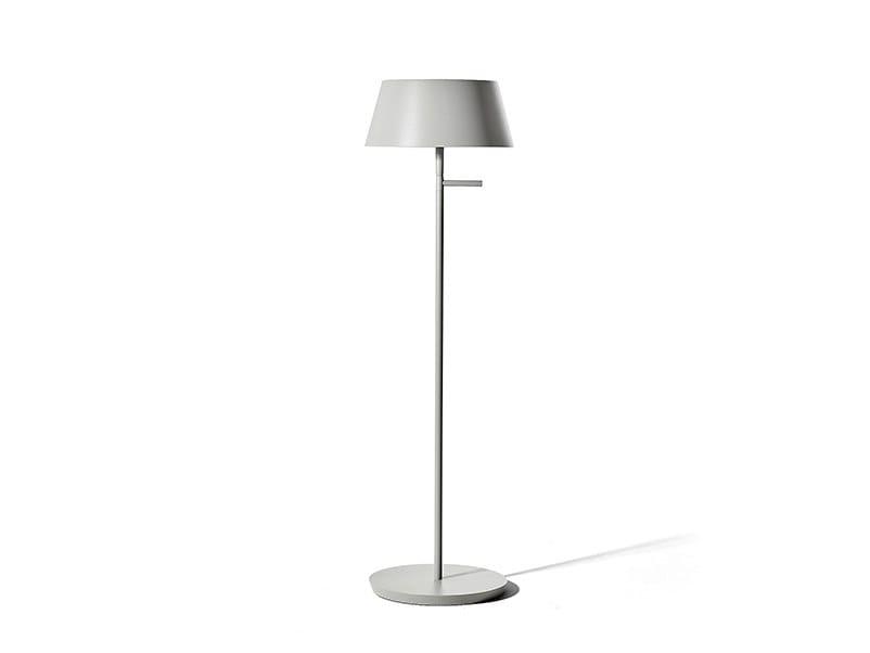 Lampada da terra per esterno a LED senza fili BEYOND | Lampada da terra per esterno by PUK