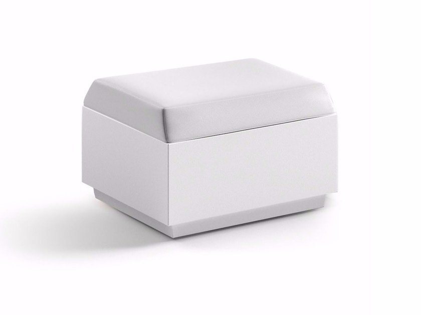 Square polyethylene garden pouf BIG CUT | Pouf by Plust