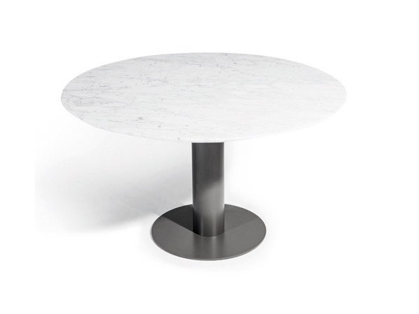 Round steel garden table BIG LOW | Table by Varaschin