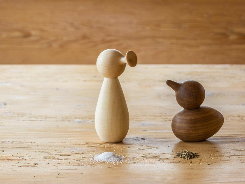 Solid wood salt and pepper shaker BIRD & TRUMPET by designimdorf