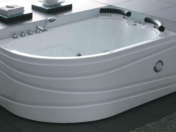 Corner whirlpool bathtub BL-521 | Whirlpool bathtub by Beauty Luxury