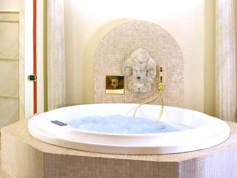Altezza Vasca Da Bagno Incasso : Aquatica allegra wht vasca da bagno ad incasso in materiale acrilico