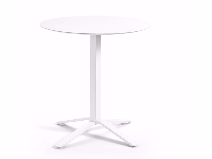 Metal table base with 4-spoke base BLADE | Table base by Varaschin