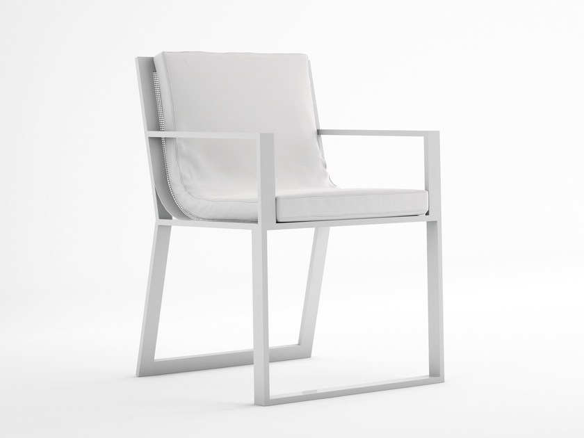 BLAU | Sedia con braccioli