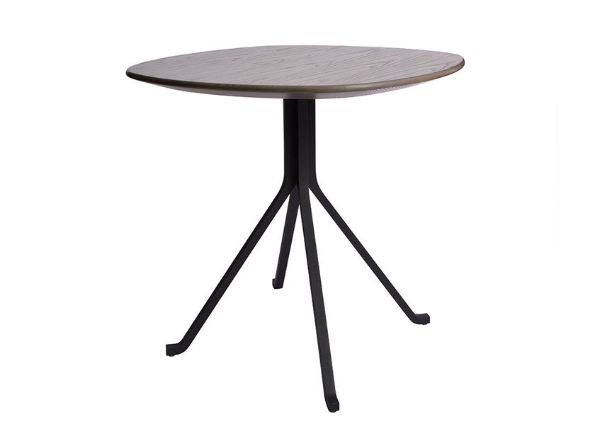 Round wooden table BLINK CAFÉ TABLE   Wooden table by STELLAR WORKS