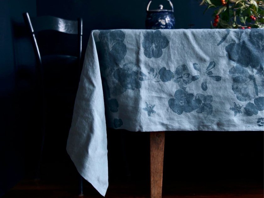 Linen tablecloth BLUTENMIX | Tablecloth by Birgit Morgenstern Studios