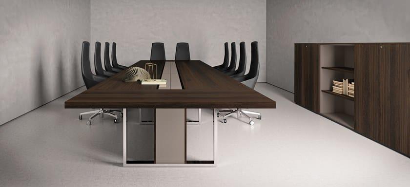 BOARD   Tavolo da riunione