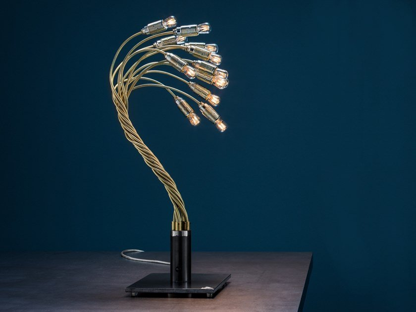 With swing arm table lamp BONSAI by Catellani & Smith