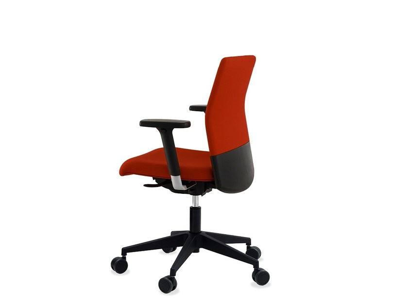 Height-adjustable swivel task chair with 5-Spoke base BOOMERANG 9400 RA (N)CB7 by delaOliva