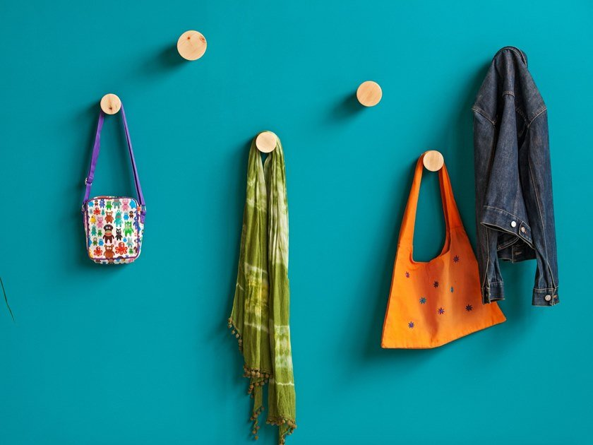 Wall-mounted wooden coat rack BOUCHON by Xilolab
