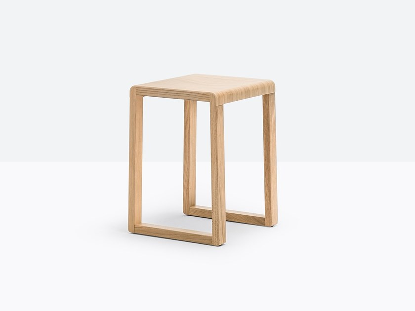 Oak stool with footrest BRERA 383 by Pedrali