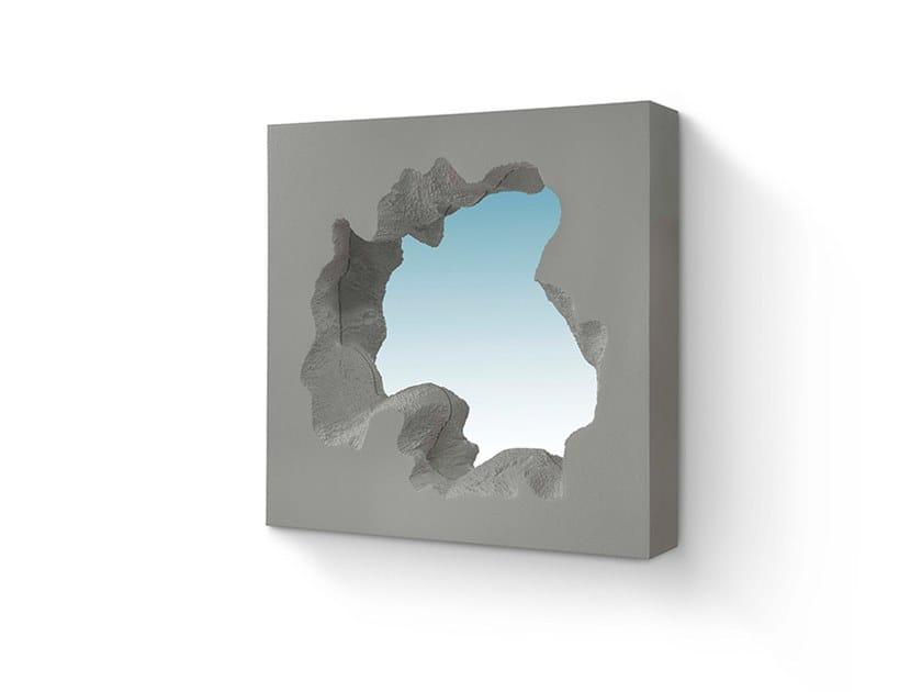 Specchio quadrato in poliuretano BROKEN SQUARE MIRROR by Gufram