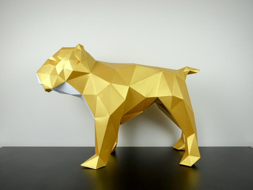 Paper sculpture BULLDOG by Papertrophy